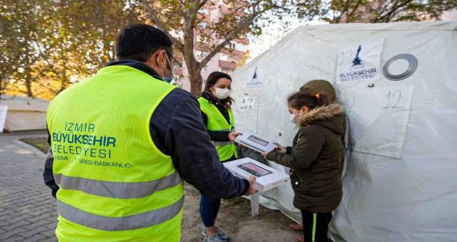 İzmir Büyükşehir'den depremzede çocuklara tablet desteği