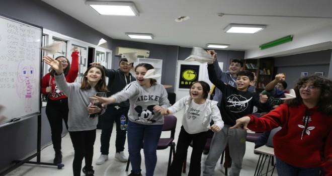 Bornova Belediyesi Film Ofisi geleceğin sinemacılarını yetiştiriyor