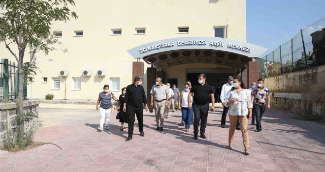 Karşıyaka'nın arşivi dijital ortama taşınıyor