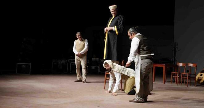 Alaçatı Tiyatro Günleri başladı