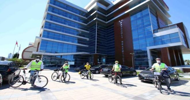 Salgınla mücadeleye bisikletli destek