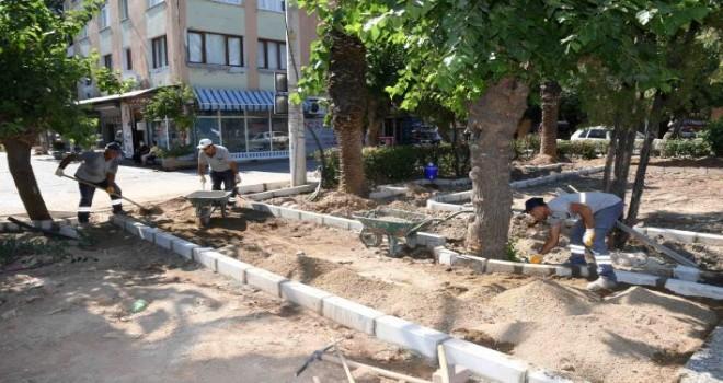 Karabağlar'da park yenilemeleri hız kesmiyor