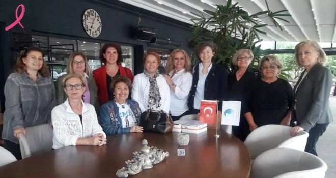 Mavişehir Kadın Platformu Derneği'nden meme kanserine farkındalık