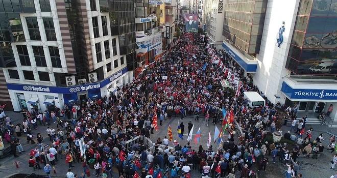 Karşıyaka'nın nüfusu arttı