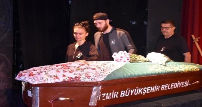 Usta tiyatrocu Jale Birsel son yolculuğuna uğurlandı