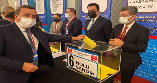 Batur, Türkiye Belediyeler Birliği'nde güven tazeledi