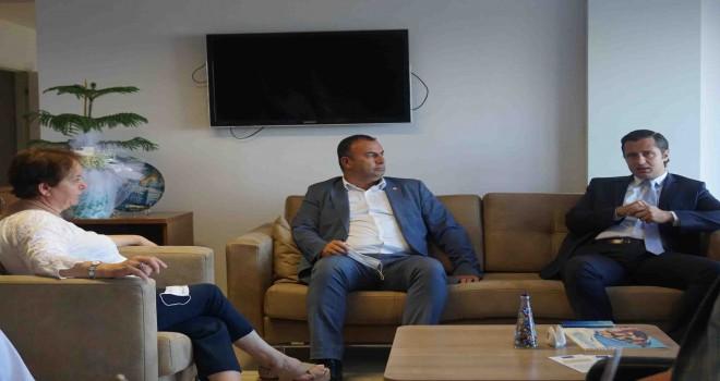 CHP'li Yücel'den özür ziyareti