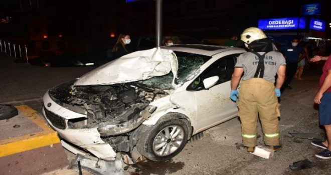 Karşıyaka'da kaza: 5 Yaralı