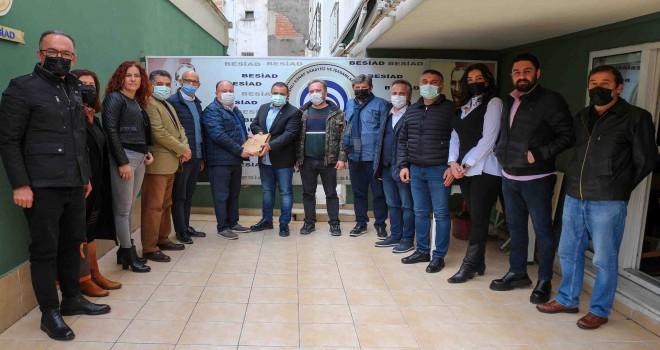 Karşıyaka Belediye Meclisi üyeleri esnaf temsilcileriyle buluştu
