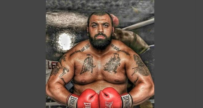 Karşıyaka'nın tek profesyonel boksörü Buğra destek bekliyor...