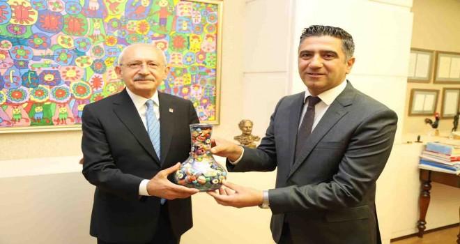 Başkan Kayalar Kılıçdaroğlu'nu ziyaret etti