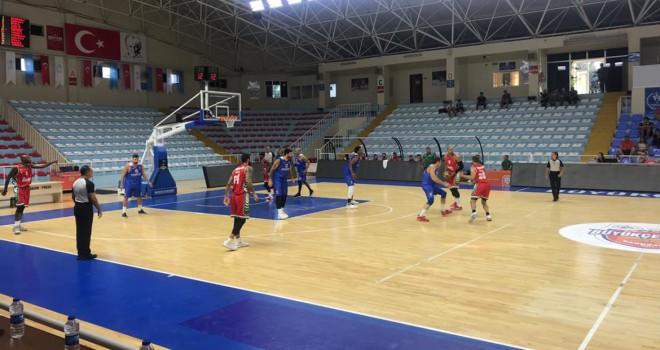 Pınar Karşıyaka Göl Kupası'na galibiyetle başladı