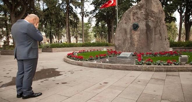 Tunç Soyer Zübeyde Hanım Anıt Mezarı'nı ziyaret etti