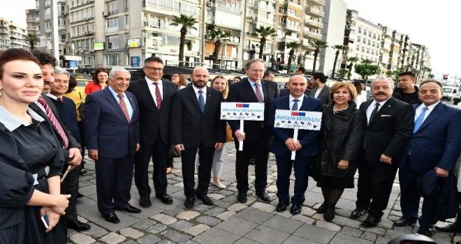 İzmir'de Avrupa Günü buluşması