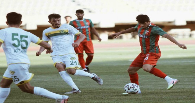 Karşıyaka'da Özkan ilk maçına çıktı