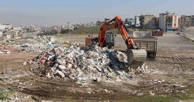 Gaziemir'de iki günde 480 ton moloz toplandı
