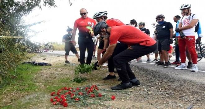 Kamyon çarpması sonucu vefat eden Zeynep, bisikletçi arkadaşları tarafından anıldı