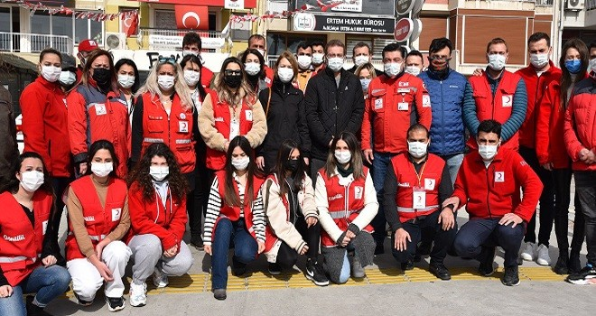Kaymakam Çalışır'dan Kızılay Karşıyaka ekibine teşekkür