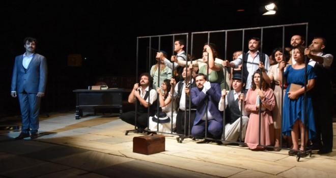 Metropolis Antik Kent'te tiyatro coşkusu