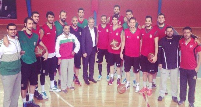 Akpınar, Bostanlıspor Basketbol takımına moral verdi...