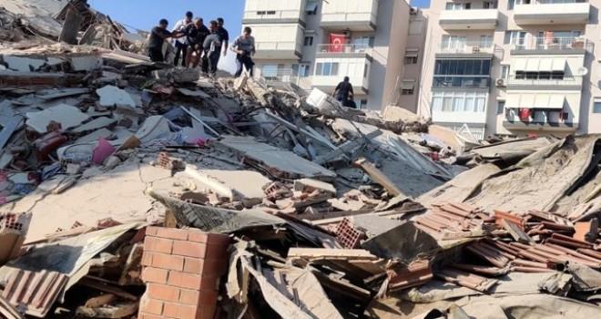 İzmir'de korkunç deprem