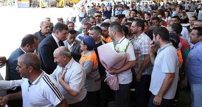 Karşıyaka Belediyesi'nde sıcak bayramlaşma