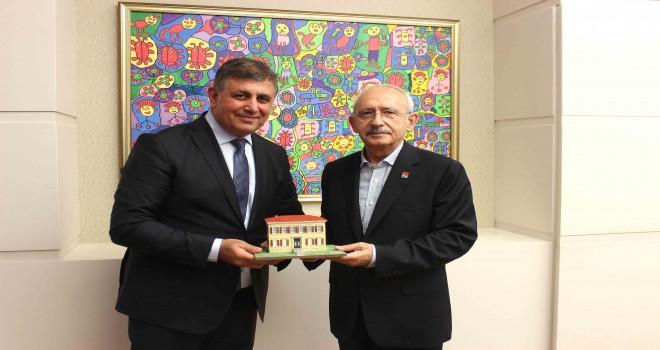 Kılıçdaroğlu: Karşıyakalılara selam ve sevgiler