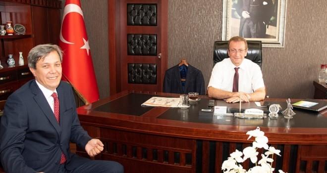Karşıyaka'nın yeni Nüfus Müdürü Kaymakam Çalışır'ı ziyaret etti