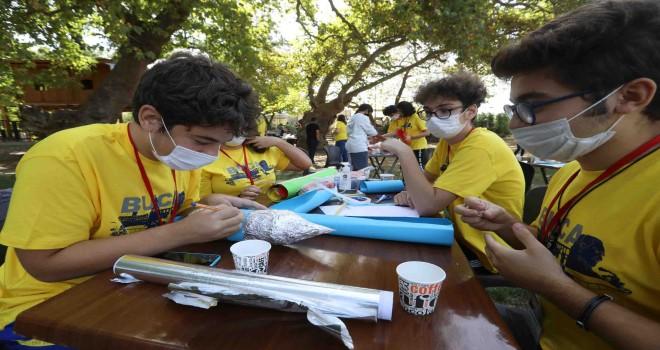 Buca'nın genç bilim insanları doğa laboratuvarında