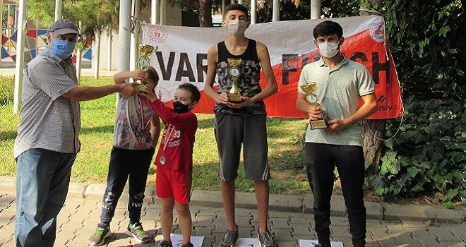Bostanlıspor Oryantiring'de 2 yarışta 2 kupa, 11 madalya kazandı