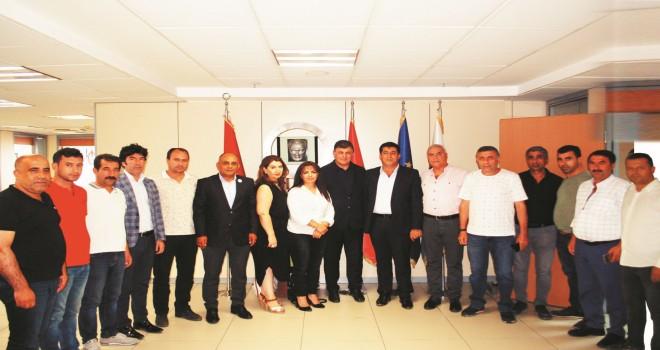 Ege Bölgesi Ağrı Dernekleri Federasyonu Başkan Tugay'ı ziyaret etti