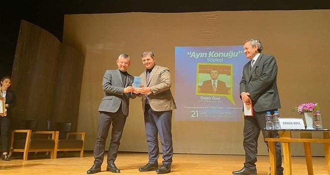 Karşıyaka Belediyesi'nin konuğu Özgür Özel oldu