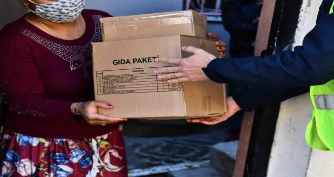 İzmir Büyükşehir 50 günde 90 bin hanenin kapısını çaldı