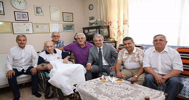 Başkan Akpınar, Cevat Baba'yı ziyaret etti