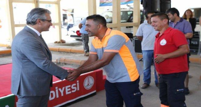 Başkan Akpınar, personeliyle bayramlaştı...