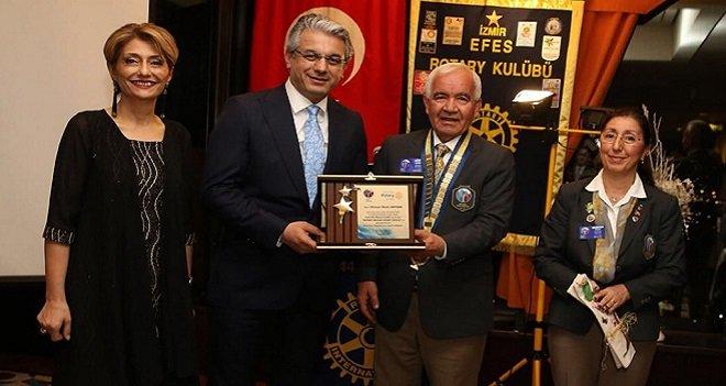 Başkan Akpınar'a İzmir Efes Rotary Kulübü'nden ödül...