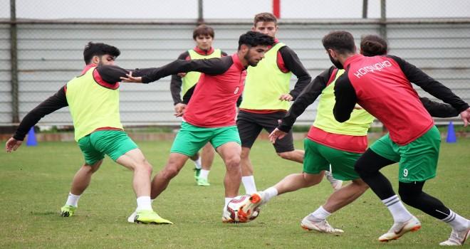 Karşıyaka, Bergama maçı hazırlıklarını sürdürüyor