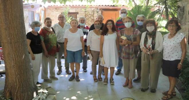 Foça Kitap Kulübü 15 yıldır ücretsiz kitap dağıtıyor