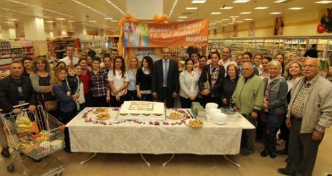 Bostanlı MMM Migros 15.yılını coşkuyla kutladı