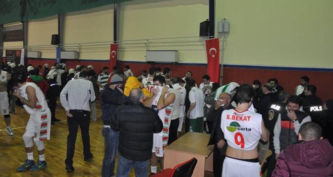 Bostanlıspor'a 2 maç seyircisiz oynama cezası...