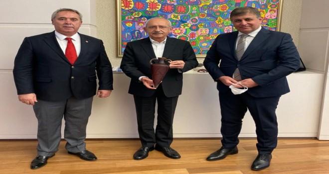 Başkan Tugay ve Koç'tan CHP Lideri Kılıçdaroğlu'na ziyaret