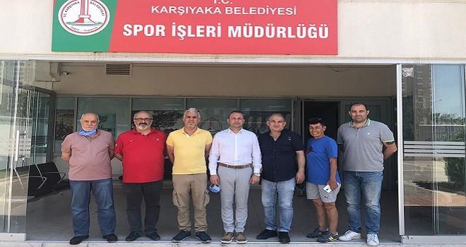 Karşıyakalı amatörlerden yeni spor müdürüne ziyaret