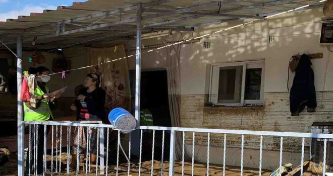 İzmir Büyükşehir'in sel mağdurlarına desteği 13 milyon lirayı aştı