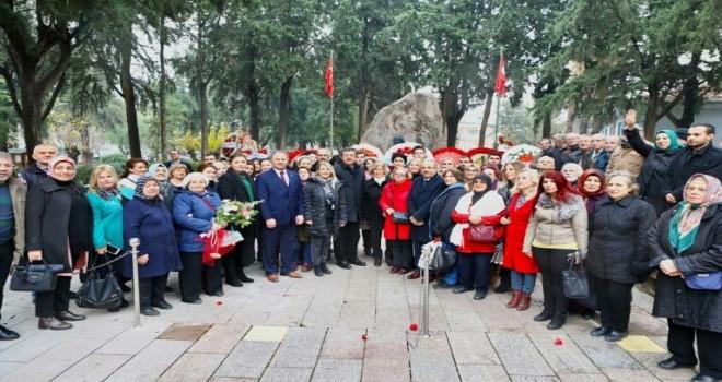 Nihat Zeybekci, Zübeyde Hanım'ın anıt mezarını ziyaret etti