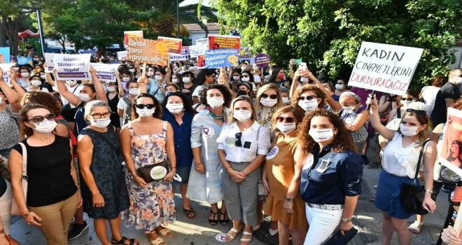 İzmirli kadınlar İstanbul Sözleşmesi için sokağa indi, polis müdahale etti