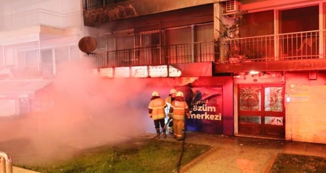 Karşıyaka'da işyeri yandı...