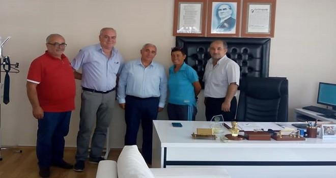 Karşıyaka Amatör Futbol Kulüpleri Halk Eğitim Müdürü'nü ziyaret etti