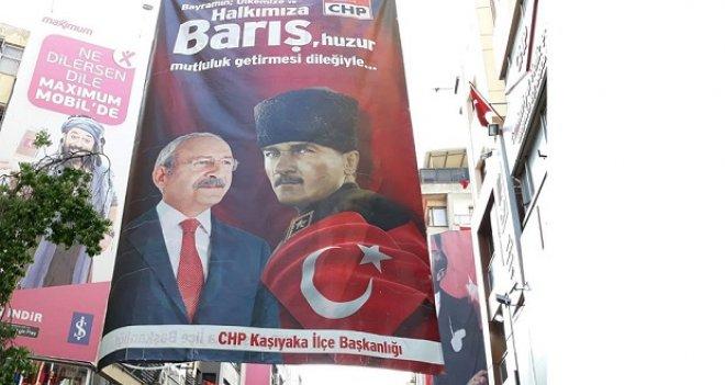 CHP Karşıyaka İlçe pankartındaki büyük gaf...