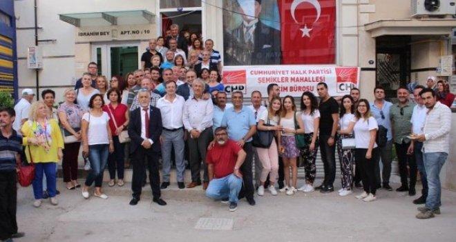 CHP Karşıyaka seçim bürolarını arka arkaya açıyor
