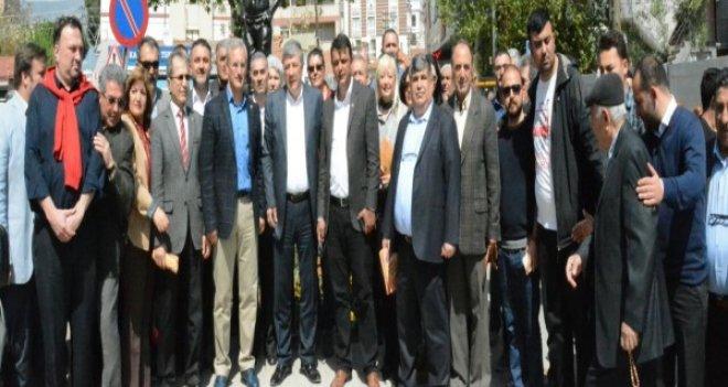 CHP'li Balbay referandum çalışmalarını Örnekköy'de sürdürdü